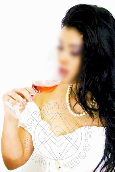 Bruna Maia  MILANO 3663348882